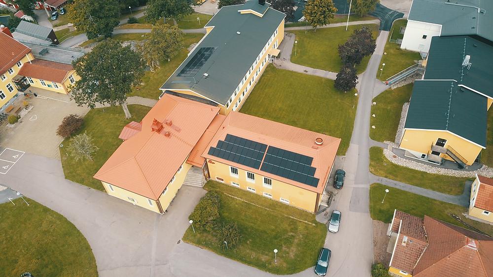 Solceller installerade på folkhögskolan i Ljungskile