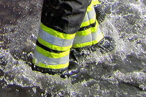 Wasser mit Stiefel.JPG