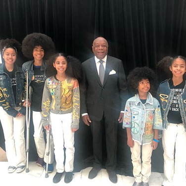 Mayor Willie Brown with the Cnotes