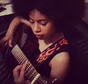 Zahara rehearsing