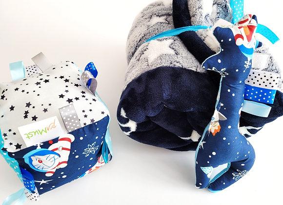 חבילת כיף חתולים בחלל - כחול תכלת
