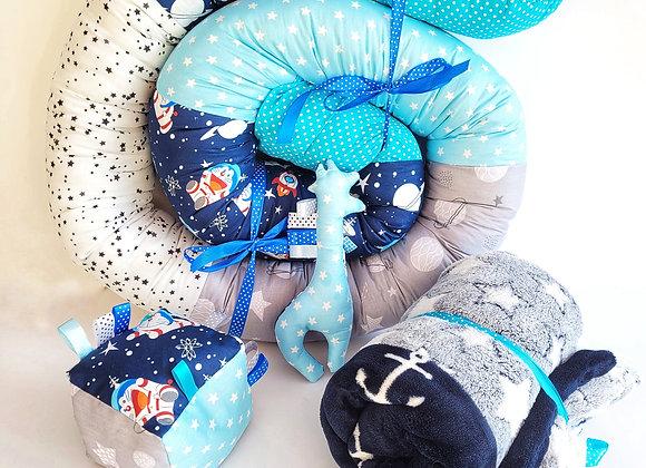 חבילת פינוק חתולים בחלל - כחול תכלת