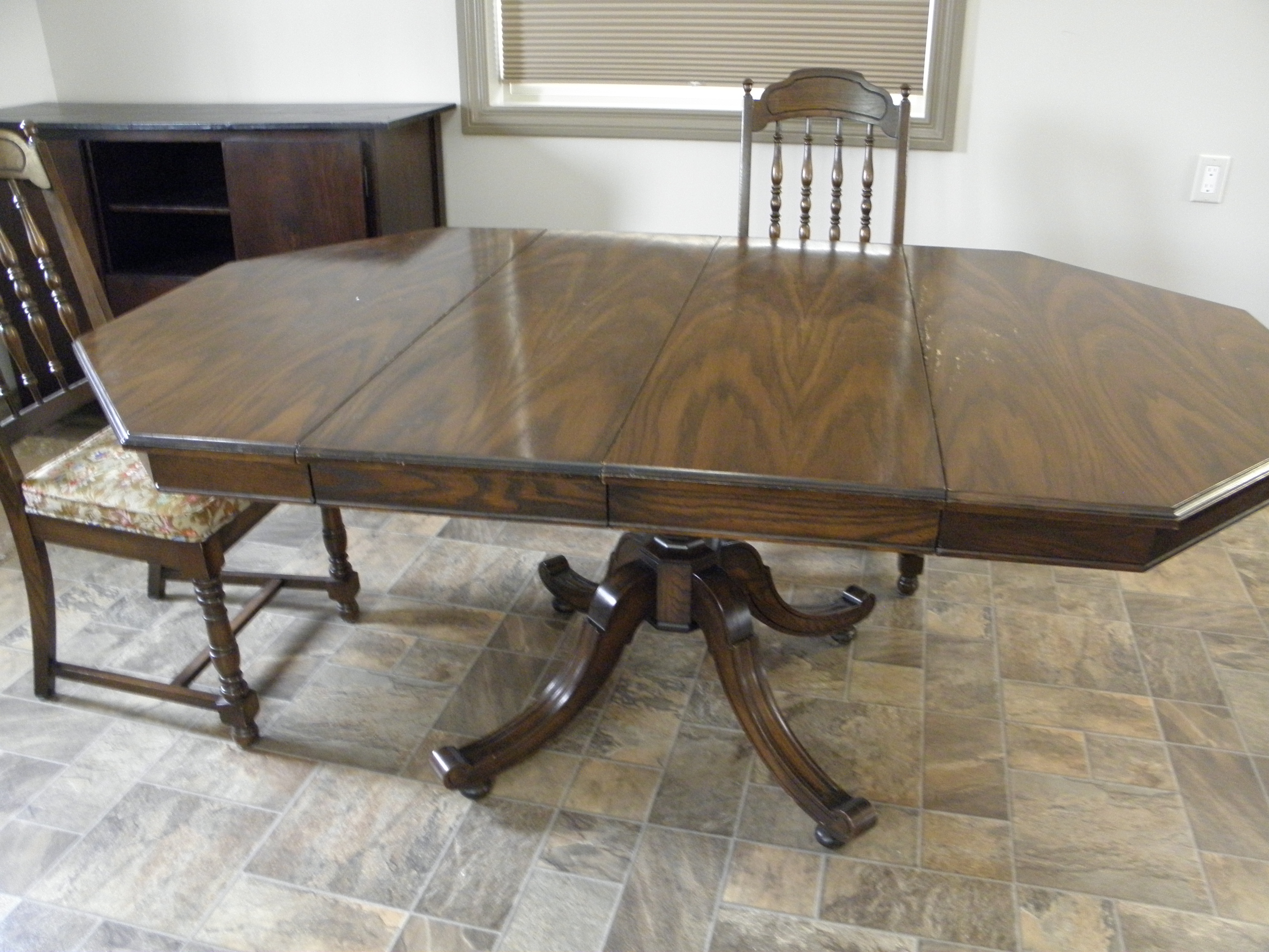 Oak Dining Table w/4 Chairs