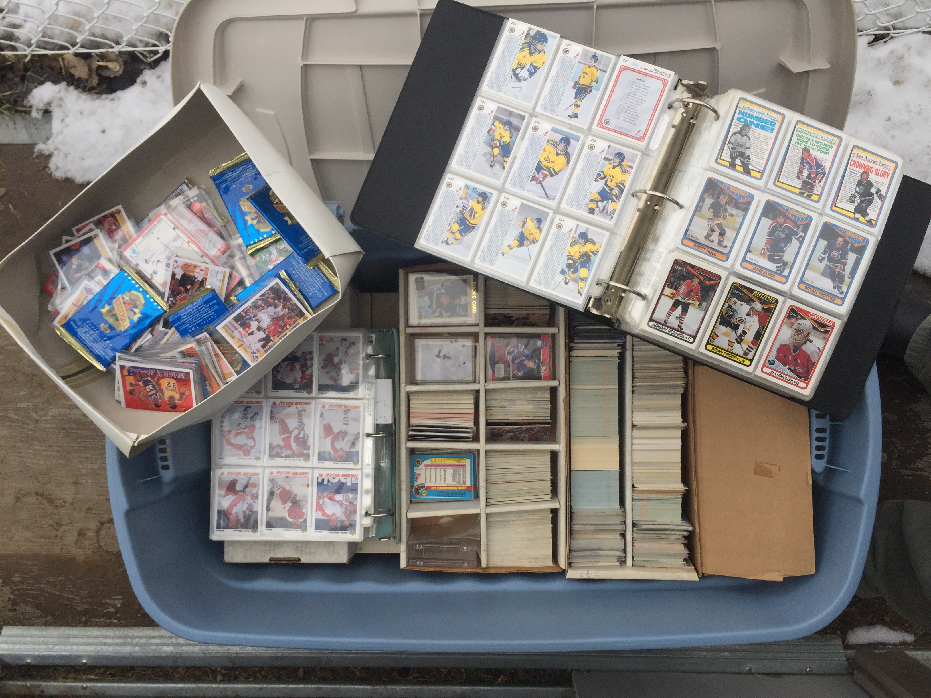 Large Quantity of Hockey Cards