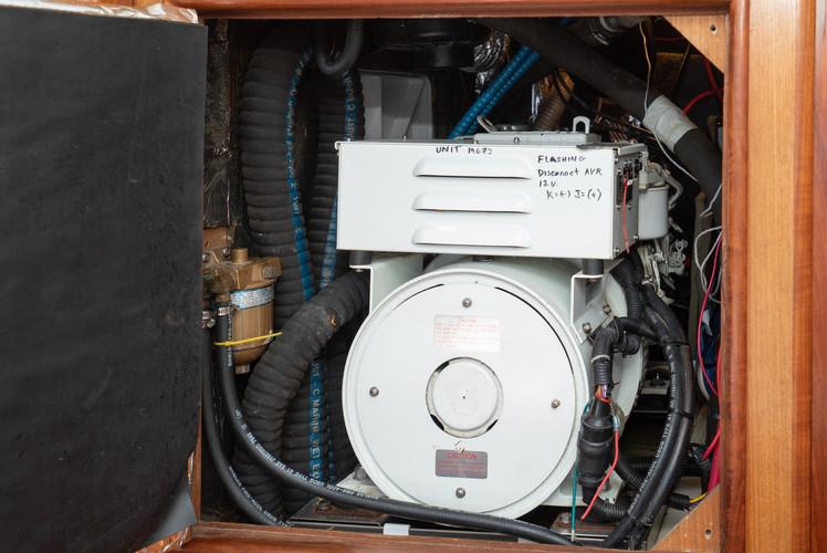 1999 Hunter 420 Passage Maker-56.jpg