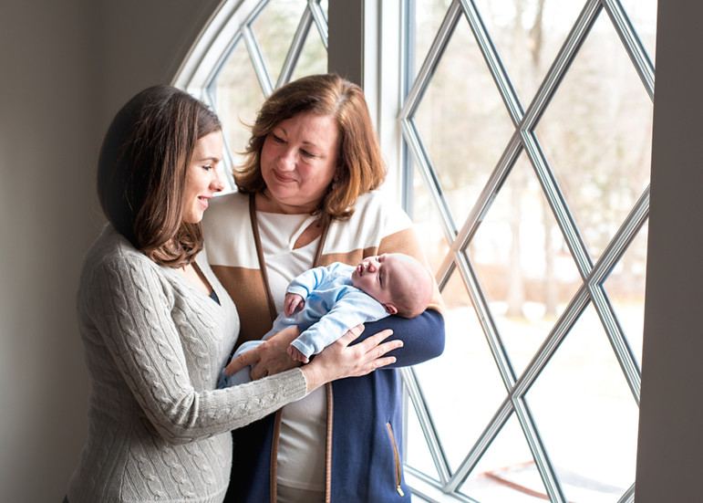 lifestyle newborn baby photographer
