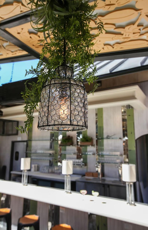 Outside Dining Decor