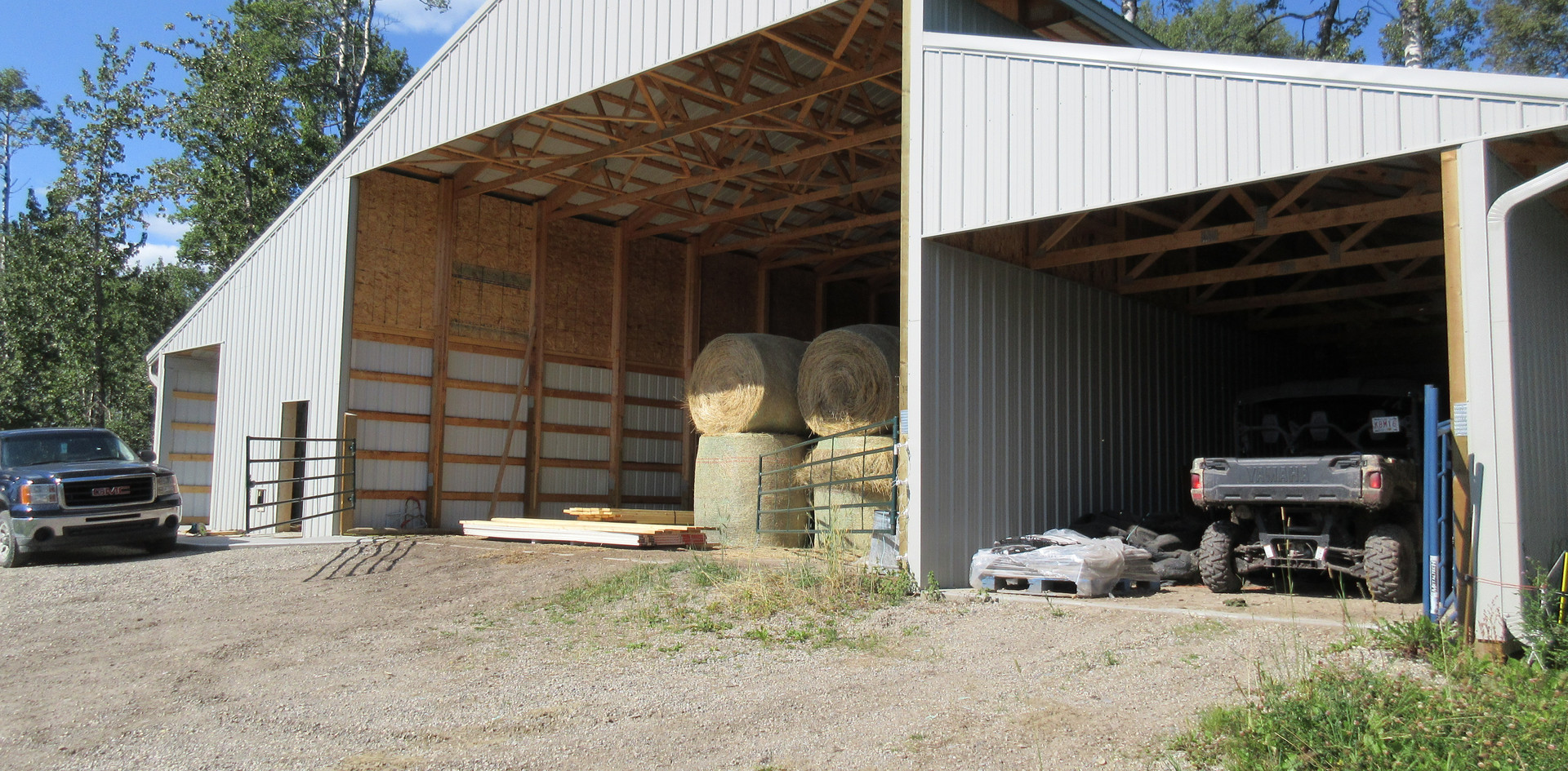 Hay barn, feed storage