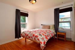 Master Bedroom: 10'6 x 12'8