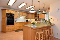 Kitchen: 15'8 x 12'7