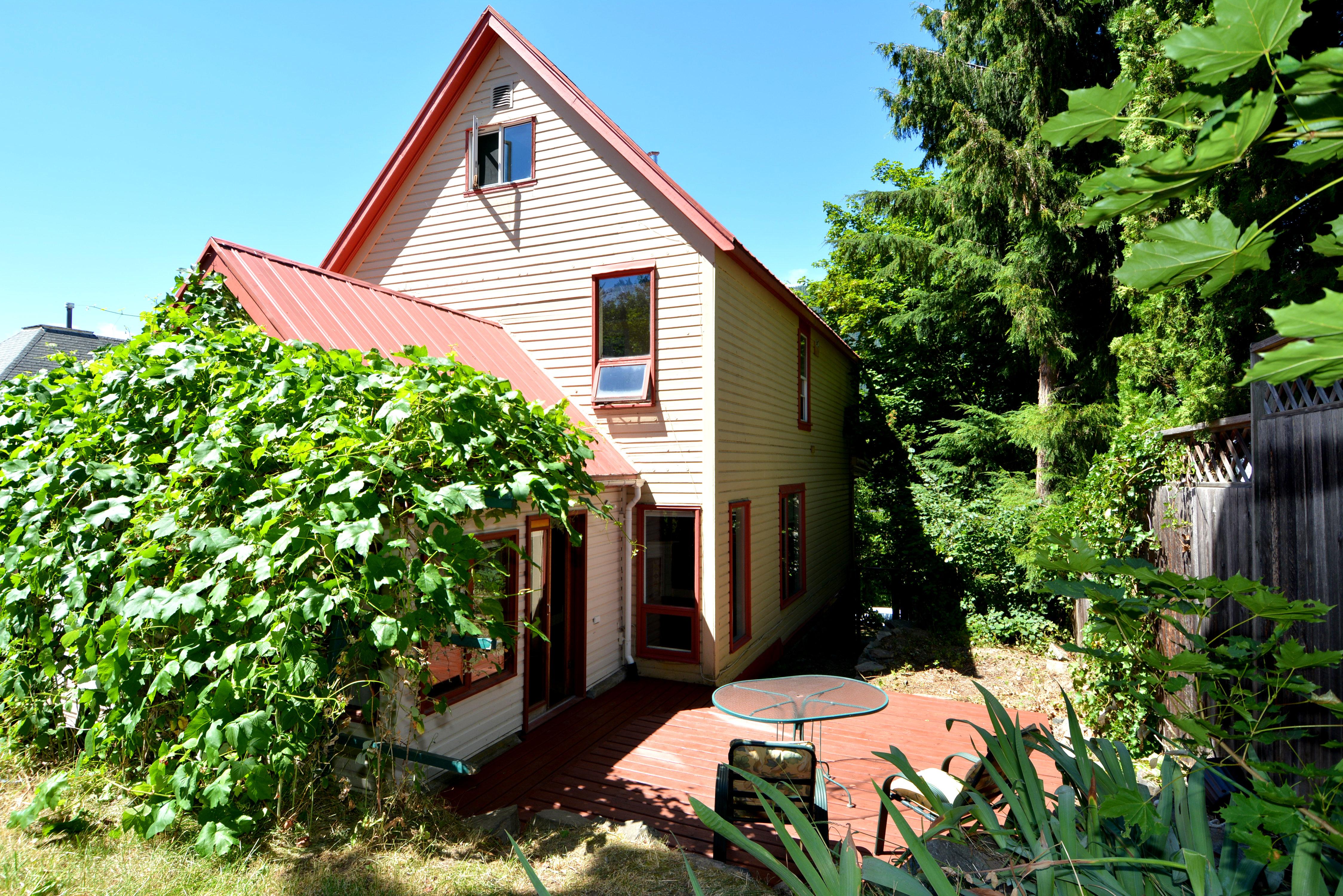 816 Silica Street House (6)