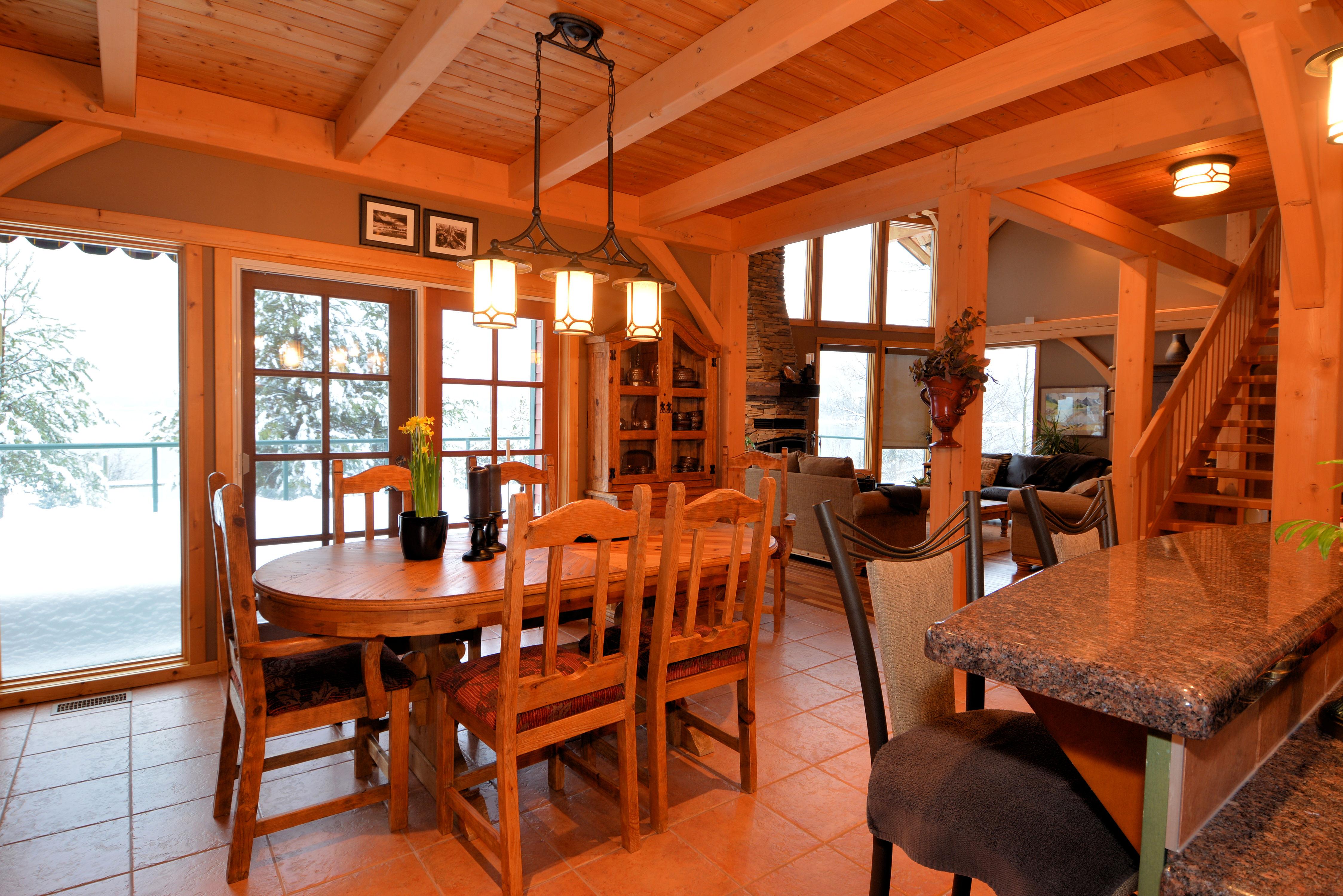 Dining Room: 14'6 x 11'