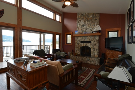 109 Kootenay Lake Road Living Room