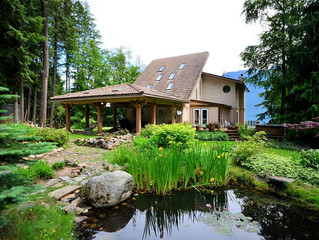 FOR SALE: Stunning 7 Bedroom Waterfront Home Near Kaslo