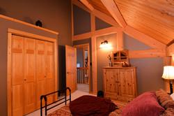 Upstairs Bedroom: 12'6 x 10'7