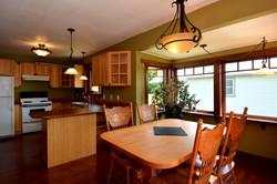 Dining Room: 13'3 x 9'8