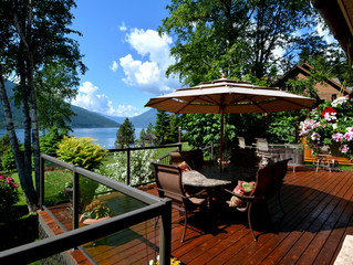 PRICE JUST REDUCED!  Gorgeous 3-4 Bedroom Waterfront Home On Kootenay Lake Only 15 Minutes From Nels