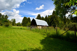 6090 Slocan River Road Barn