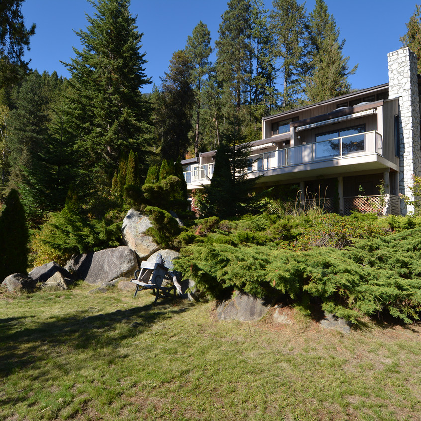 5578 Hwy 3A Waterfront