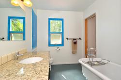 Main Floor Bathroom: 10'8 x 7'4