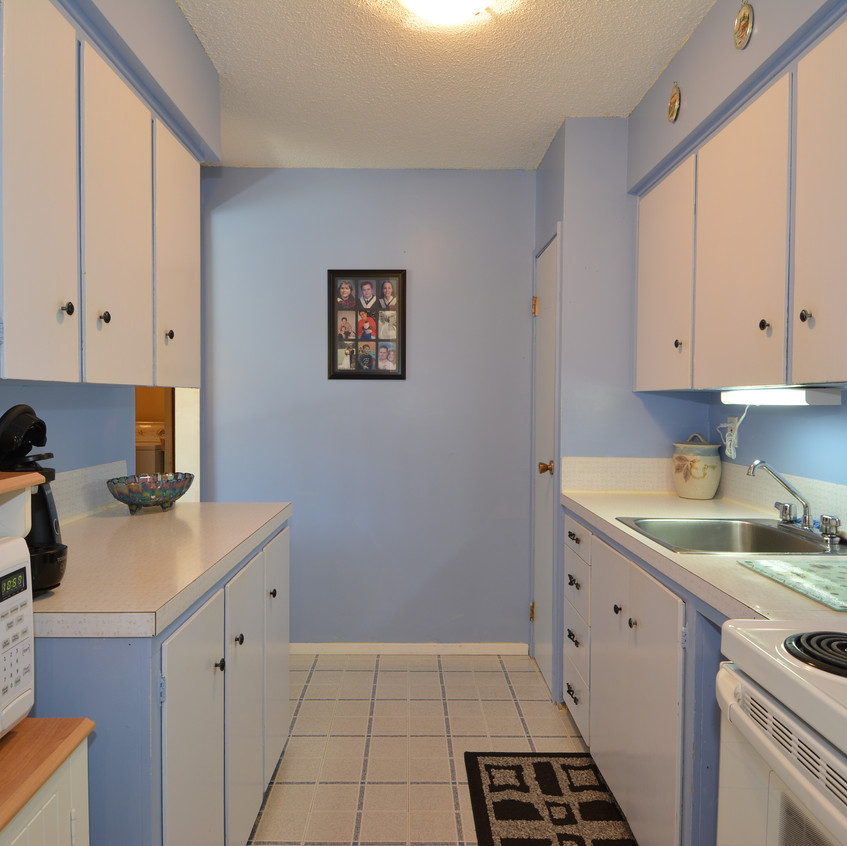 Nelson Real Estate 409 West Richards Street Kitchen