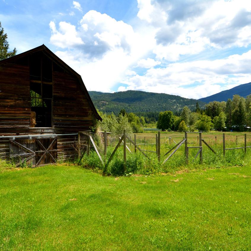 6090 Slocan River Road Barn (2)