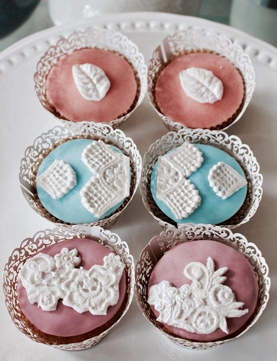 Selection of Ian Silverstein and Katherine Roach wedding cupcakes