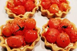 Confit tomato tarts