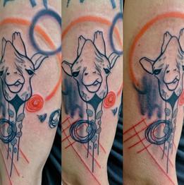 Dalia_Hautundliebe_Tattoo_Giraffe_Abstra