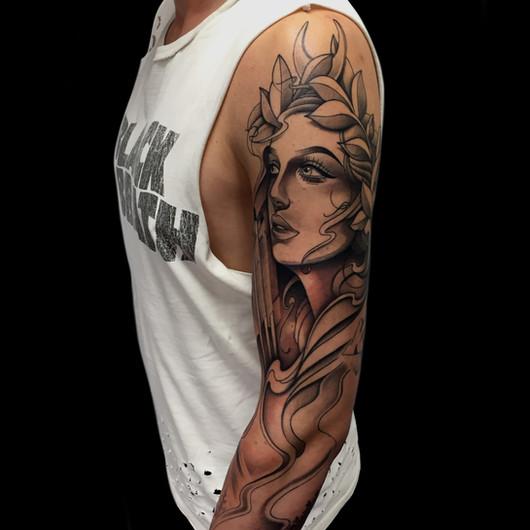 Chris_Hautundliebe_Tattoo_Newschoollady.