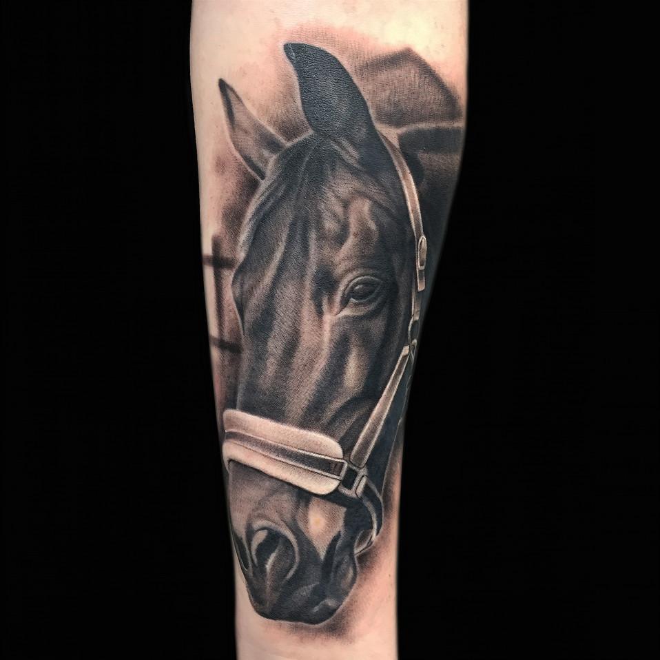 Chris_Hautundliebe_Tattoo_Pferd.jpg