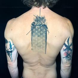 Dalia_Hautundliebe_Tattoo_Geometric.HEIC