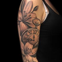 Chris_Hautundliebe_Tattoo_Taschenuhr.jpg