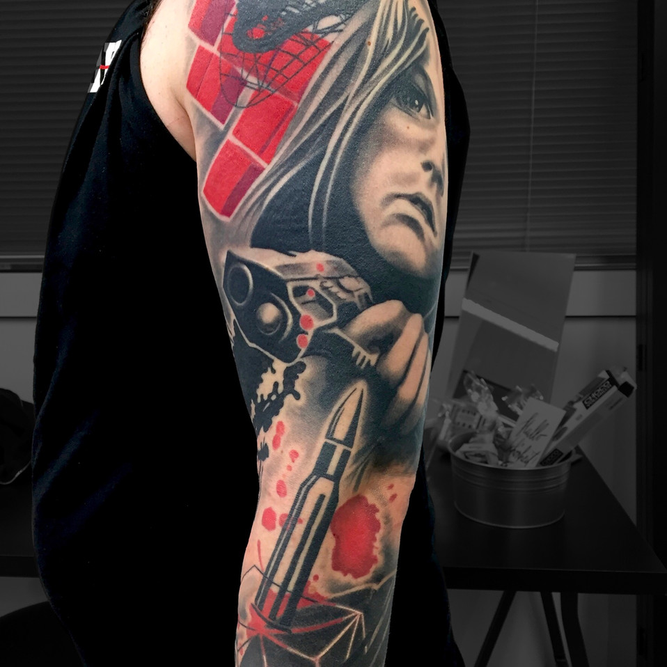 Chris_Hautundliebe_Tattoo_Pistol.jpg