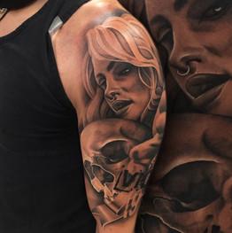 Chris_Hautundliebe_Tattoo_Skull_Girlface