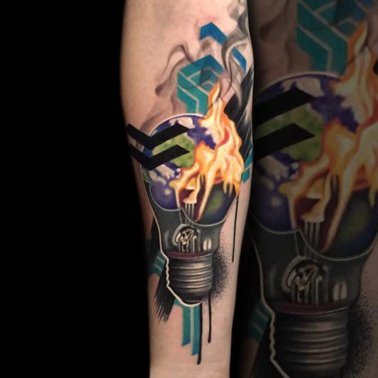 Chris_Hautundliebe_Tattoo_Glühbirne.jpg