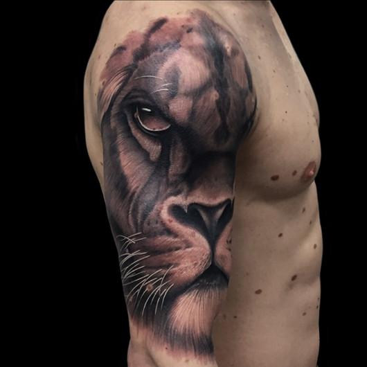 Chris_Hautundliebe_Tattoo_Löwe.jpg
