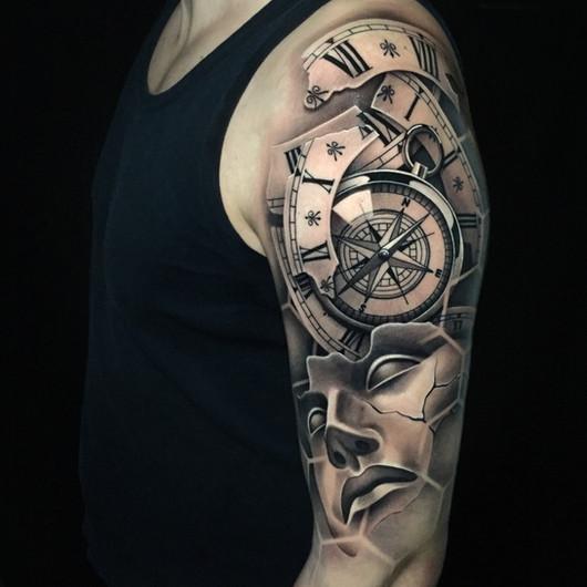 Chris_Hautundliebe_Tattoo_Kompass.jpg