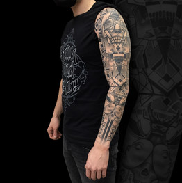 Chris_Hautundliebe_Tattoo_Geosleeve.jpg
