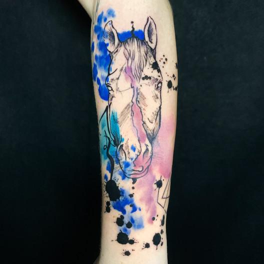 Dalia_Hautundliebe_Tattoo_Pferd.HEIC
