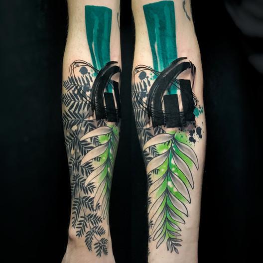 Dalia_Hautundliebe_Tattoo_Pflanzen.jpg