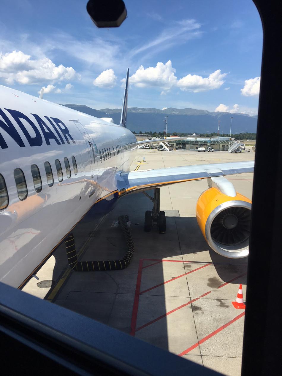 Icelandair 757-200 Economy Class GVA-KEF - A Cheap Way to Cross the Atlantic
