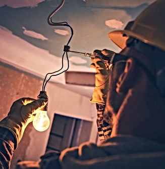 Best%20Electrician%20Pic%202021_edited.j