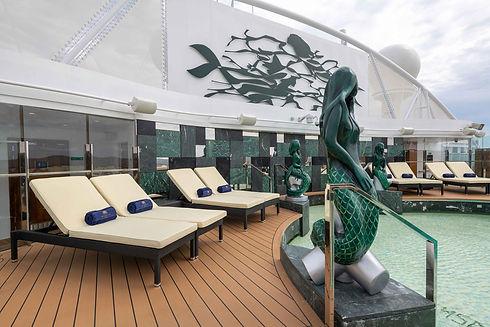 msc-yacht-club-one-pool