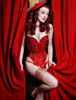 BURLESQUE CLASSES AND SHOWS