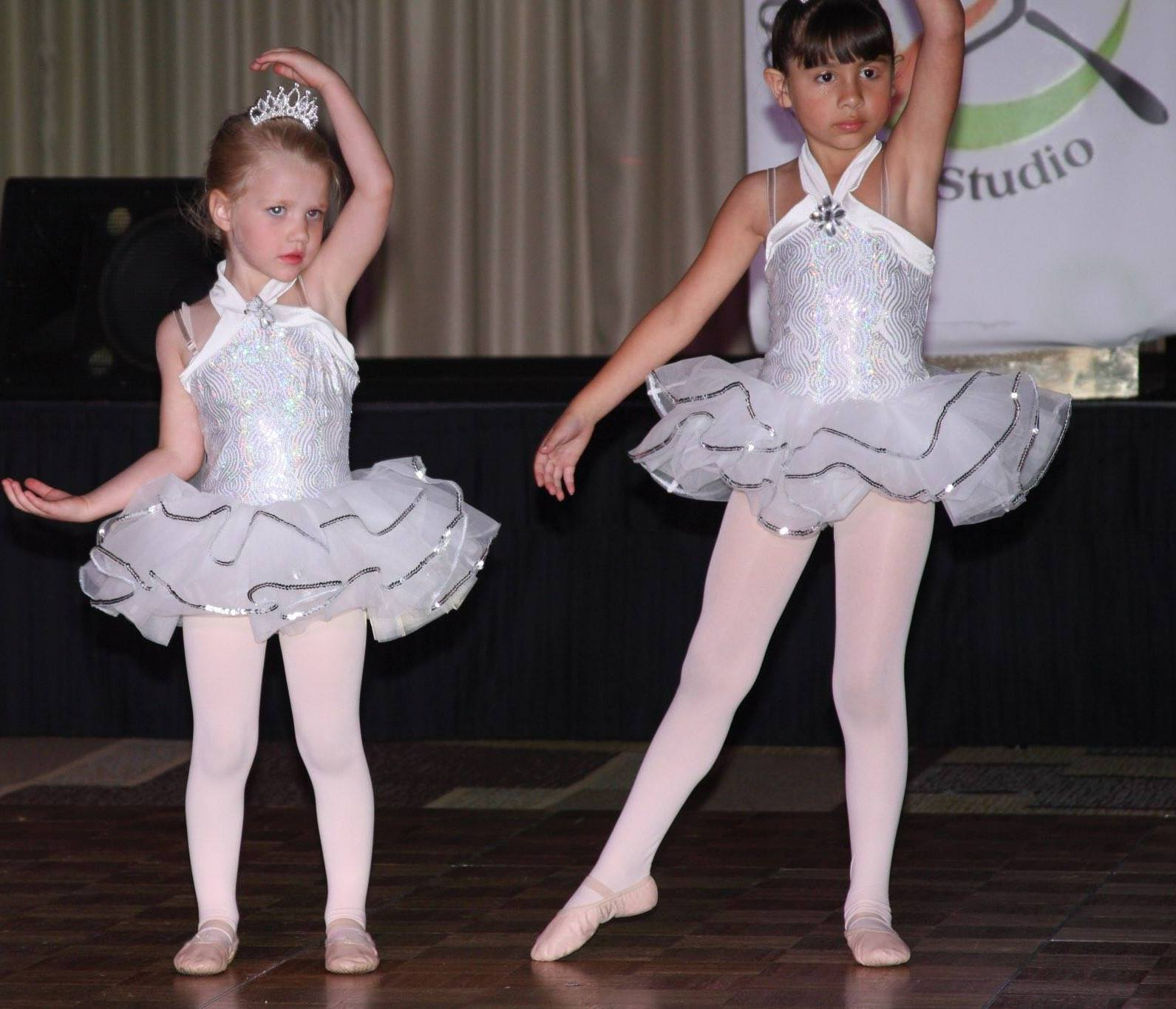 kids ballet classes lesson in orange