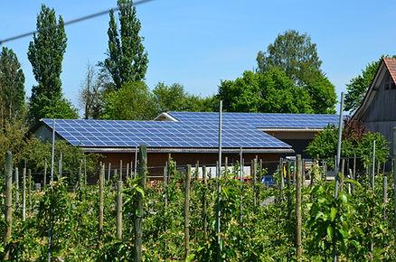photovoltaic-352670_1920.jpg