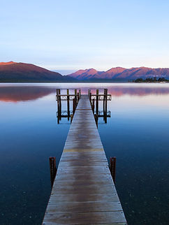 NEK_5626 Lake Te Anau small.jpg