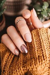 Manicure neutral colours.jpg