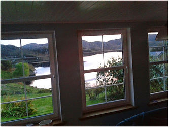 holiday cottage drumbeg loch view